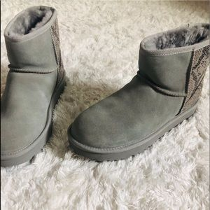 Rare Authentic Gray Snake Uggs
